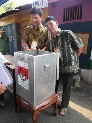 Indonesians on election day