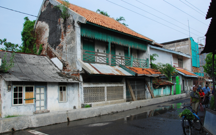 A building in Semarang is a little the worse for wear