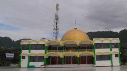 Indonesia's True Religion, Luwuk, Central Sulawesi: Indonesia's Holy Trinity.